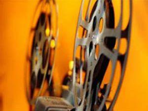 Türkler kendi filmlerini izliyor
