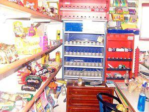 Hırsız marketi boşalttı