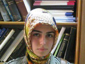 Başörtülü öğrenci, ödev için geldiği Tüpraşa alınmadı