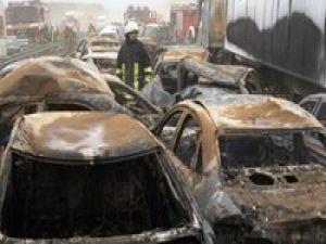 Almanyada kum fırtınası: 8 ölü, 131 yaralı