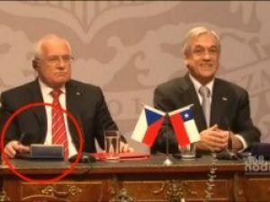 Çek Cumhurbaşkanı kalemi böyle çaldı