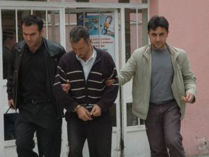 Sahte ehliyetle 6 yıl kamyon kulandı, tutuklandı