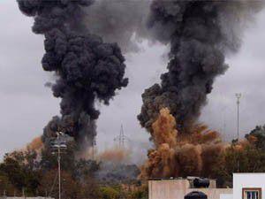 NATO uçakları, Trablusta cephanelikleri vurdu