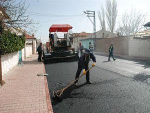Yılın ilk asfaltı Kırbaşı Caddesine