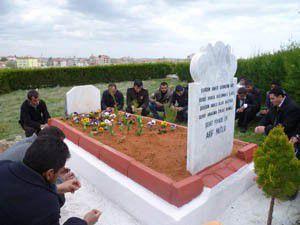 Şehit er mezarı başında anıldı
