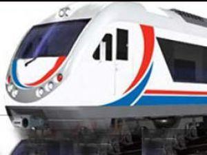 İlk yerli tren raylara iniyor