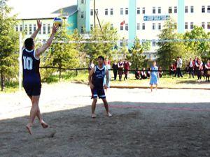 Plajı olmayan ilçede plaj voleybolu turnuvası