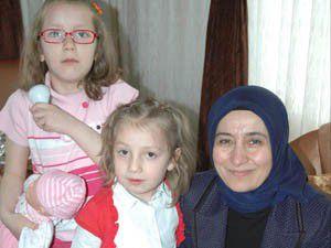 Davutoğlu devlet korumasındaki çocukları ziyaret etti