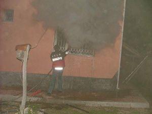 Gurbetçinin evi yandı