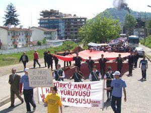 Emirgazi ve Halkapınarda gençlik yürüyüşü