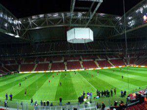 Galatasaraya seyircisiz oynama cezası