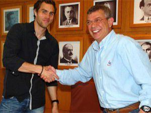 Johan Elmander resmen Galatasarayda