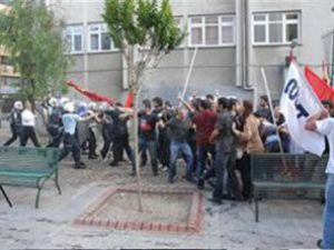 Ak Parti binasına saldırdılar