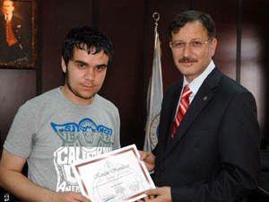 52 öğrenciye sertifika verildi