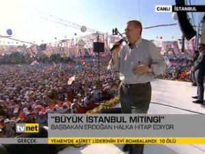 Türk bayrağını ellerine alamayanlar var