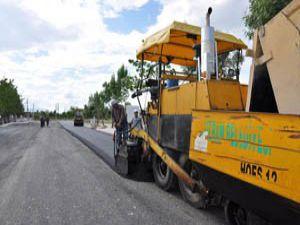 Kaşınhanı Mahallesinde yollar düzenleniyor