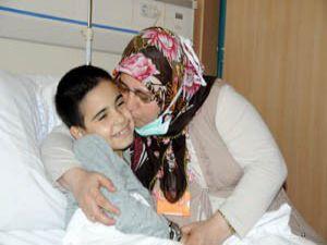 Babasının bağışladığı organla hayata tutundu