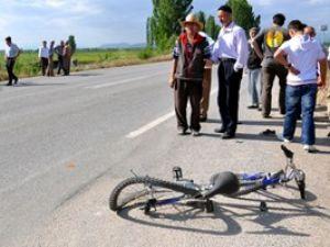 Konyada bisikletli çocuk kamyon altında kaldı