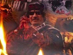 NATO Kaddafinin binasını bombaladı