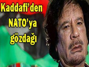 Kaddafi yine saldırıyor