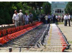 Emirgazide çiftçilere makine ekipman desteği