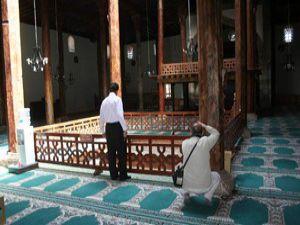 Eşrefoğlu Camisine büyük onur