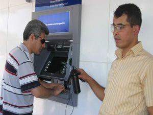 Konuşan ATM istiyoruz