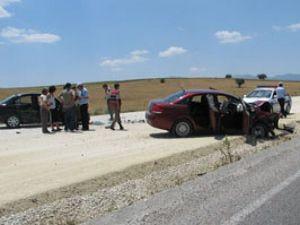 Konyada iki ayrı trafik kazası:10 yaralı
