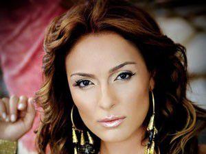 Ziynet Sali Akşehirde konser verdi
