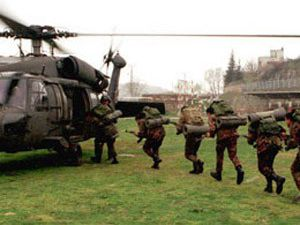 Asker kaçırılan askerlerin peşinde