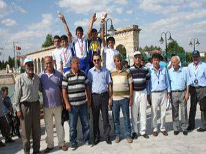 Yıldız bisikletçiler Beyşehirde pedal çevirdi