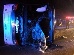 Bursada yolcu otobüsü devrildi: 59 yaralı