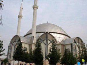 Belçikada Türk camiisine saldırdılar