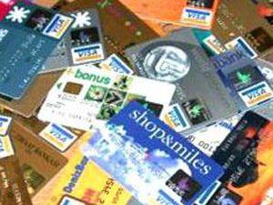 Krediler ve kredi kartları tutarı düştü