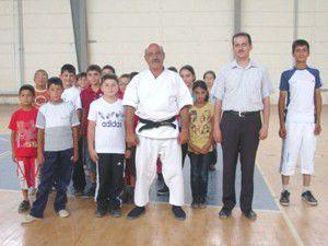 Sarayönü Halk Eğitim karate kursu açtı
