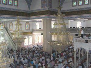Ramazanın ilk Cuma namazı kılındı