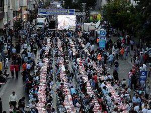 Karapınarda 2 bin kişiye iftar yemeği