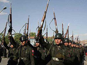 Şehit cenazesinde askerden isyan