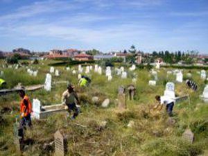 Kuluda mezarlıklara bakım yapılacak