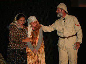 Seyit Onbaşı tiyatro sahnesinde