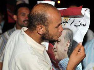 Arap baharında Erdoğana sevgi seli