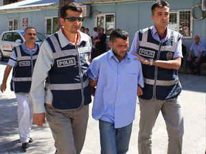 Öğretmeni bıçaklayan zanlı tutuklandı