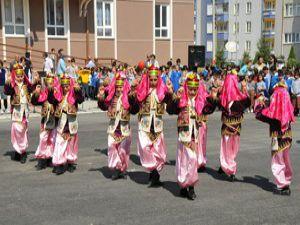 Akşehirde İköğretim haftası kutlamaları