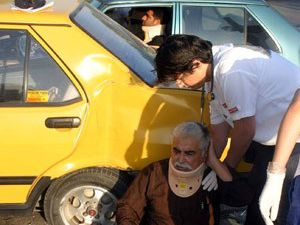Trafik canavarı yine durmadı: 3 yaralı