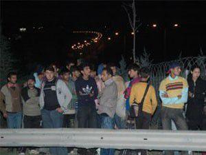 Mültecileri Edirne diye TEMde bıraktılar