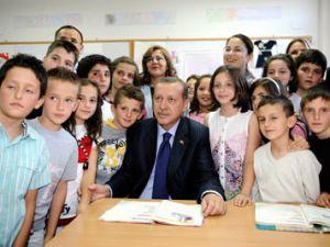 Başbakan Makedonyada da 3 çocuk dedi