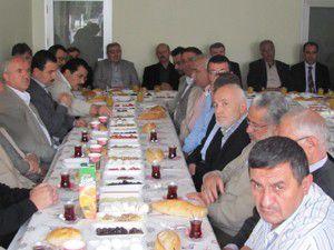 AK Parti esnaf programları sürüyor