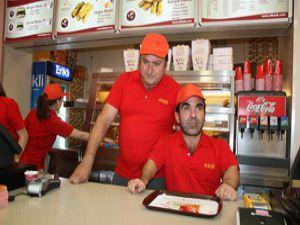 Fast foodçu çaycı Hüseyin