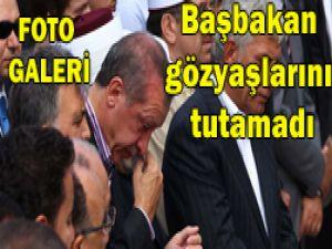 Başbakan hüngür hüngür ağladı