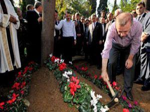 Erdoğan çiçekleri kendisi dikti